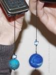 Валяные шары на елку из шерсти своими руками, елочные украшения мастер класс