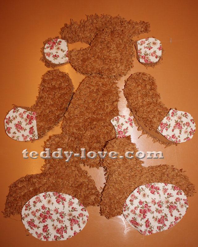 Проверяем детали мишки Тедди