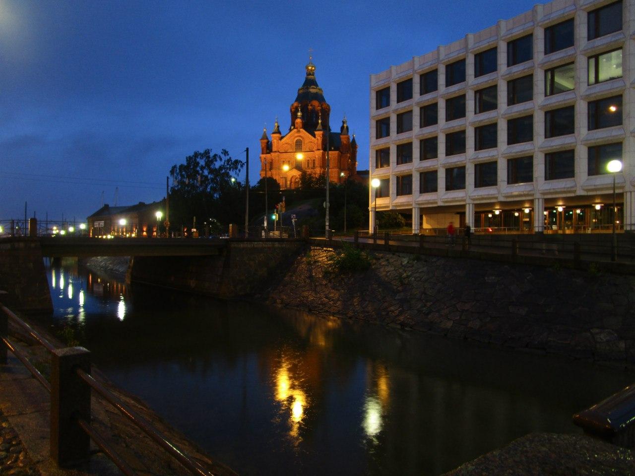Хельсинки, ночь, дождь...