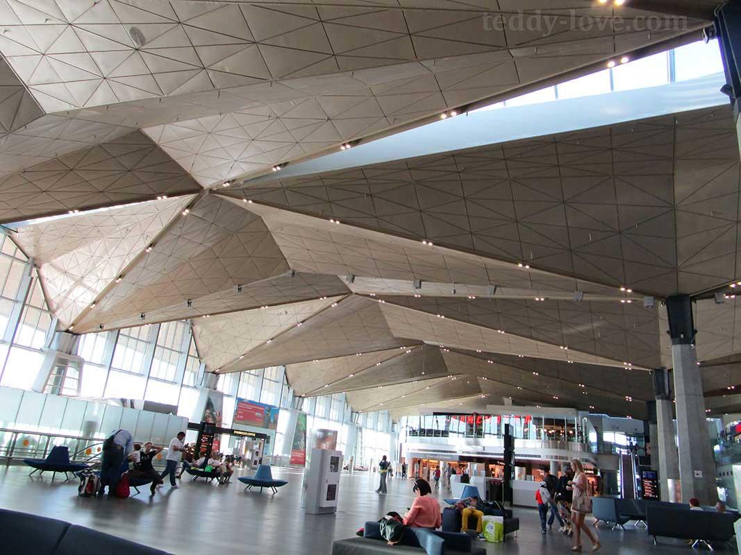 Пассажиры рейса ВИМ Авиа не могут улететь в Болгарию