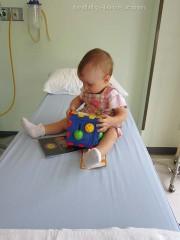 Бангкок Госпиталь Самуи лечение в Таиланде bangkok hospital samui Деткам дают много игрушек