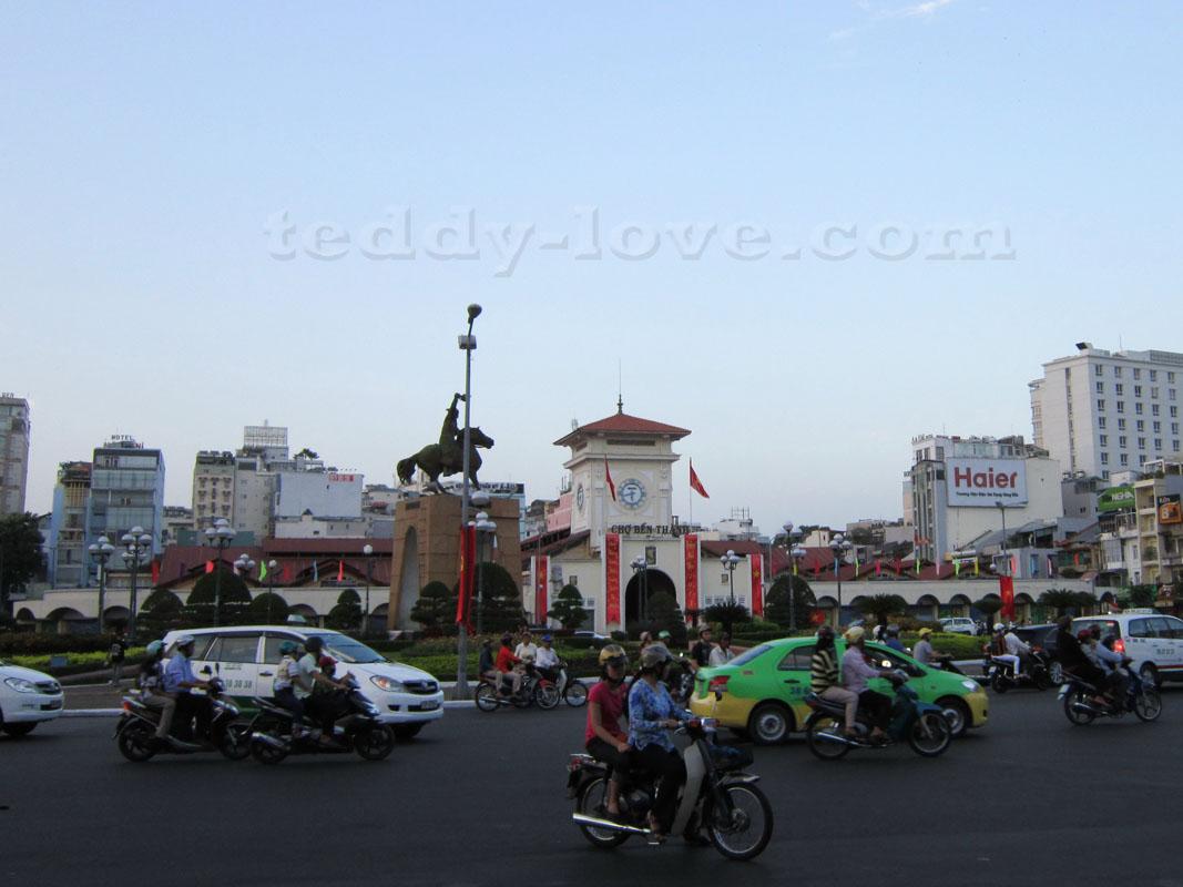 Рынок Бен Тхань