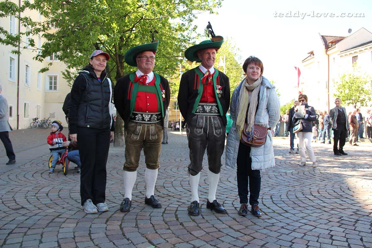 По праздникам тирольцы с гордостью надевают национальные костюмы