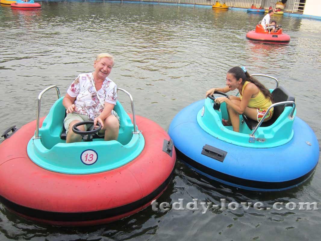 Иду на таран ! Парк Dream World Бангкок