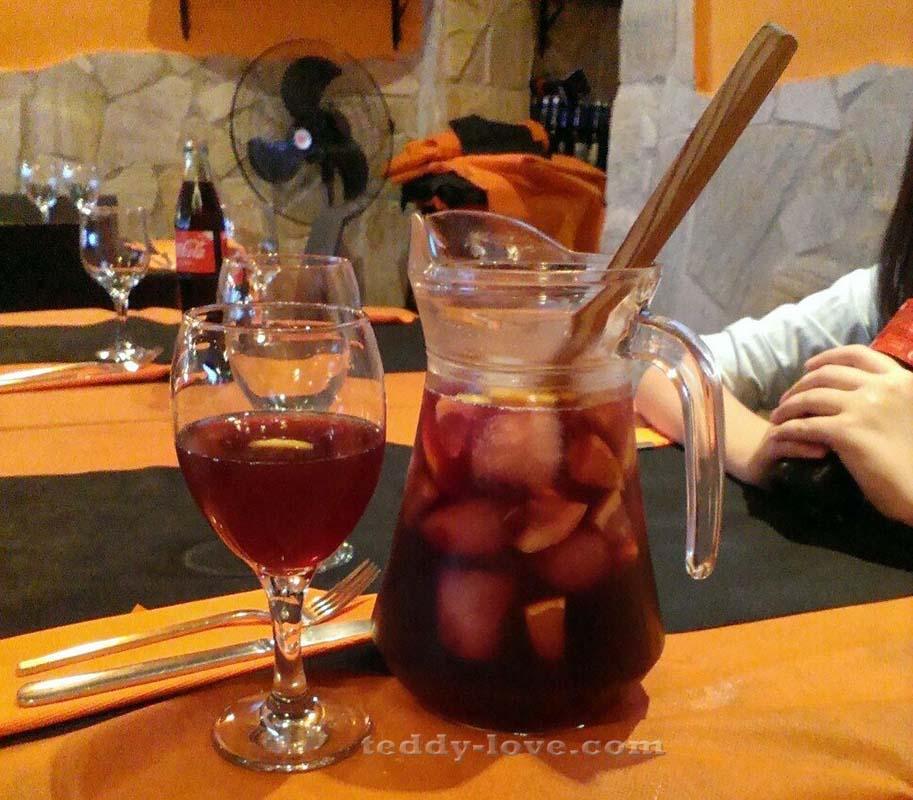 Сангрия в ресторане