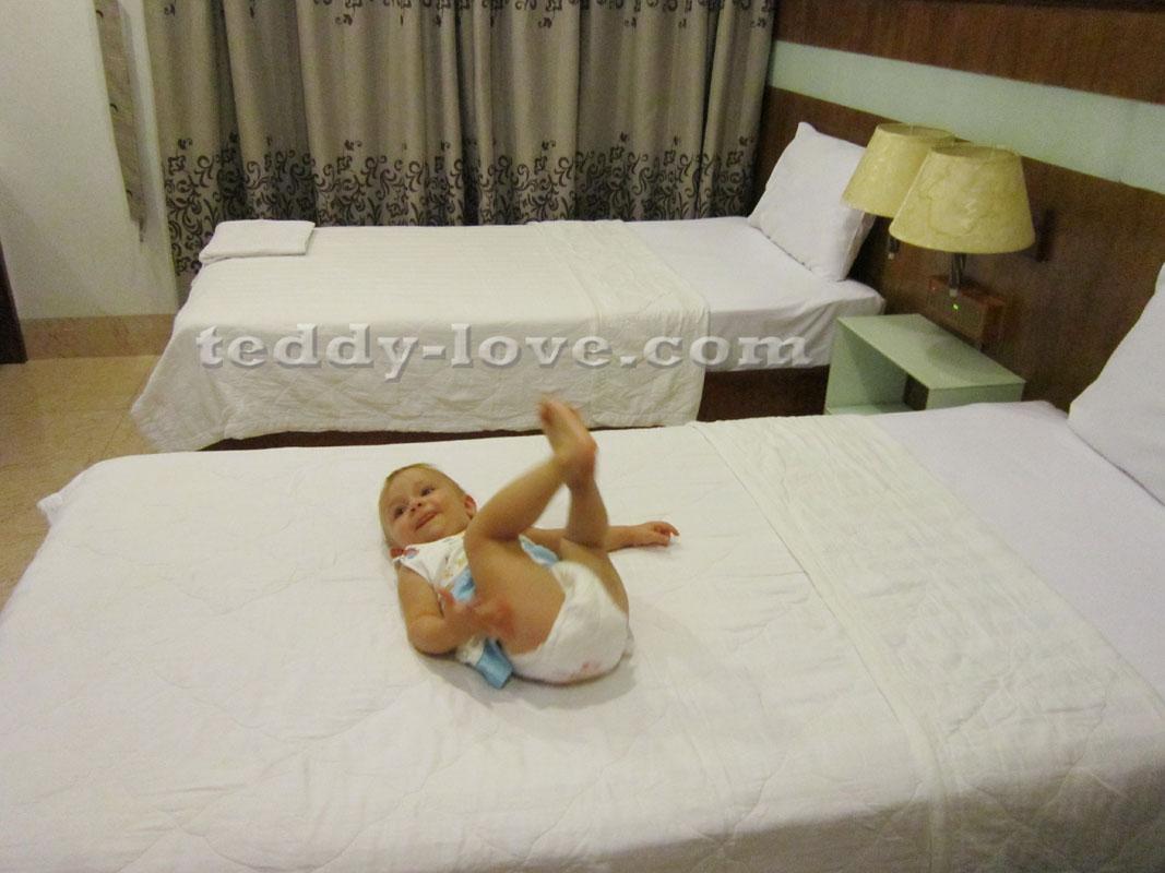 Номер в Golden Vind Hotel, спим без задних ног