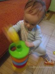 Сын играет не по инструкции)))