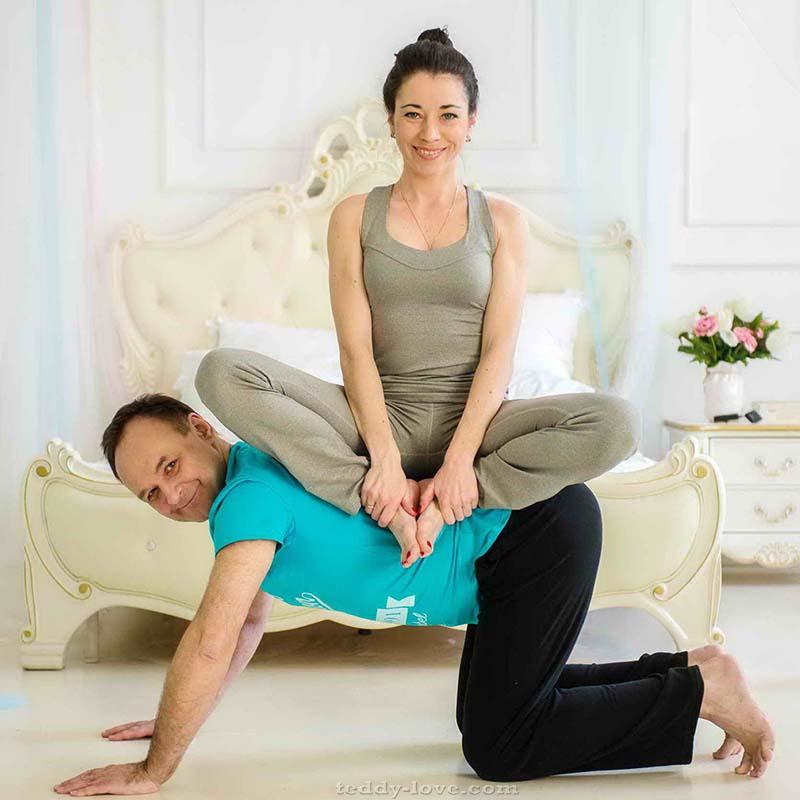 Не садись к мужу на шею. Садись на спину)