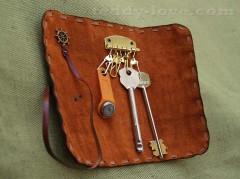 изделия из кожи мастер класс, изделия из кожи своими руками, изделия кожи своими руками мастер класс, что сделать из старой сумки, мастер класс ключница