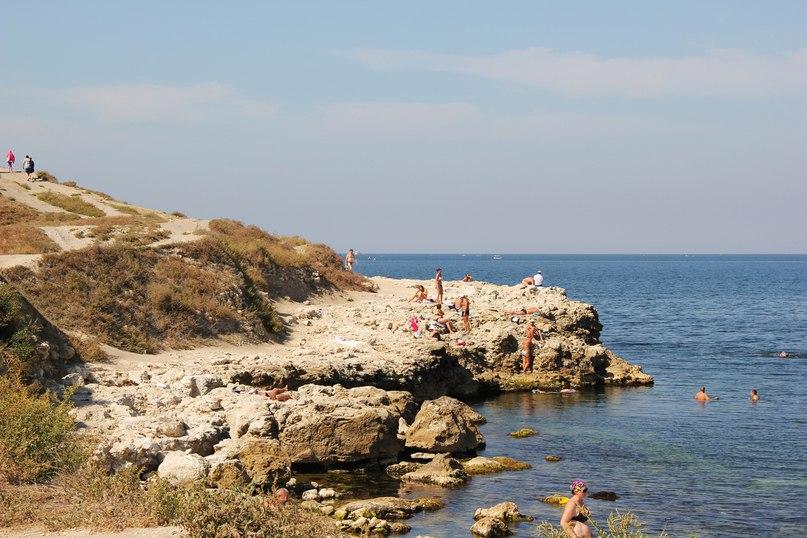 Заповедник Херсонес Таврический. Здесь купаться вроде запрещено, но удержаться трудно, когда ты первый день в Крыму!