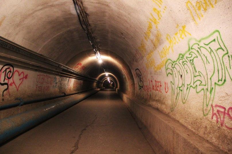 Пешеходный тоннель от Перекопского переулка к Восточной набережной
