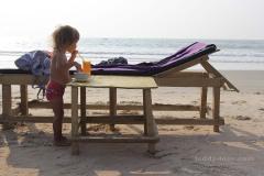 На пляже - свежевыжатые соки