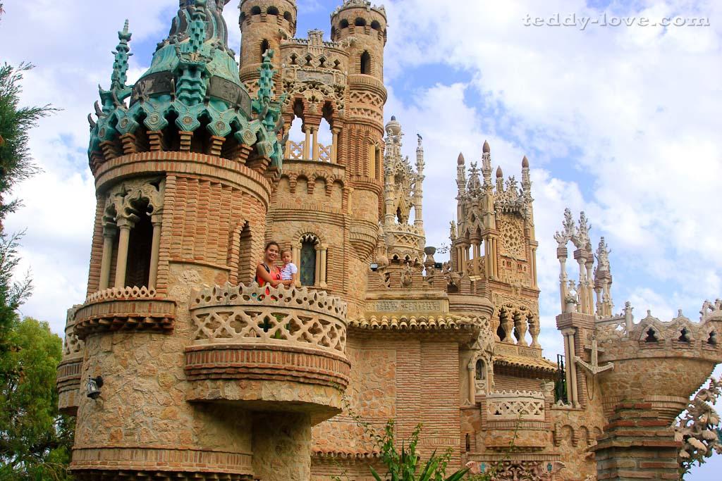 Замок Коломарес в Бенальмадене (Испания