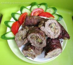 Рулеты из свинины с начинкой в духовке