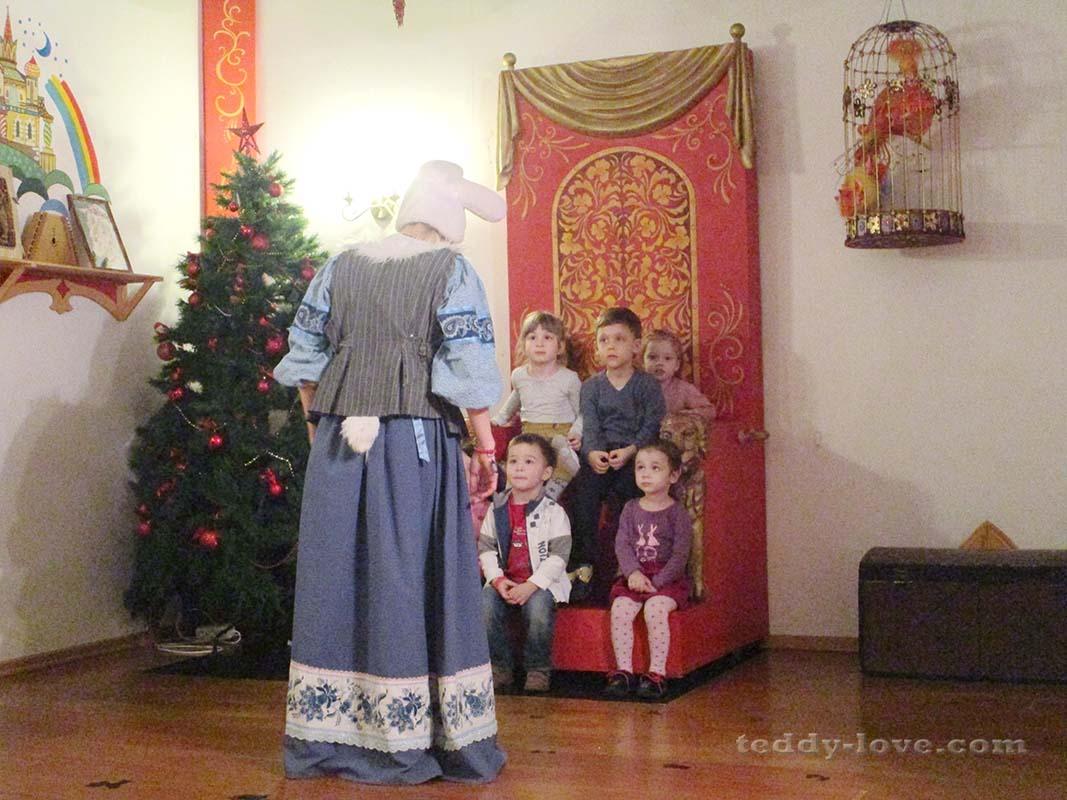 Дети на троне)