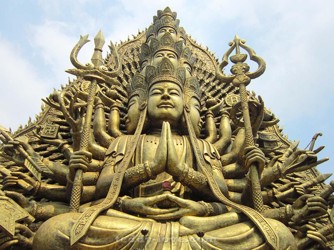 Богиня Авалокитешвара
