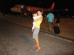 С ребенком в Таиланд, в Таиланд без обратного билета, перелет с детьми, Айразия, перелет airazia , Лоукостеры Азии