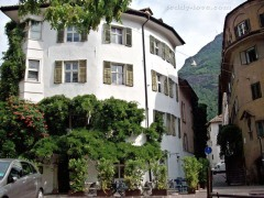 Здание таверны Баценхаусль