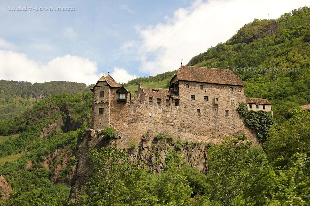 Замок Рункельштейн – неподдельное средневековье!