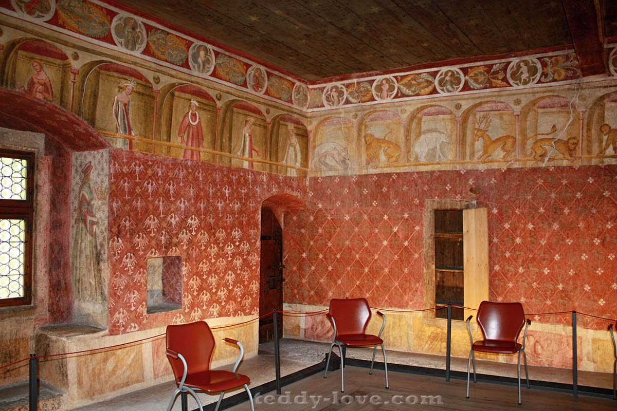Волшебный декор кабинета на третьем этаже замка